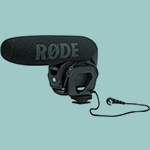A rode microphone for a camera.